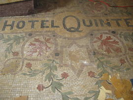 Digital photographs of the Hotel Quinte