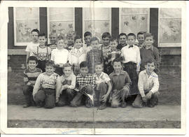 Digital copy of a Deseronto Public School class photograph