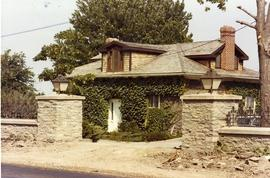 Zwick Cottage, Dundas Street West