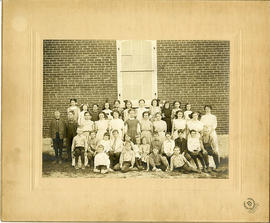 Photograph of schoolchildren at Tweed, Ontario